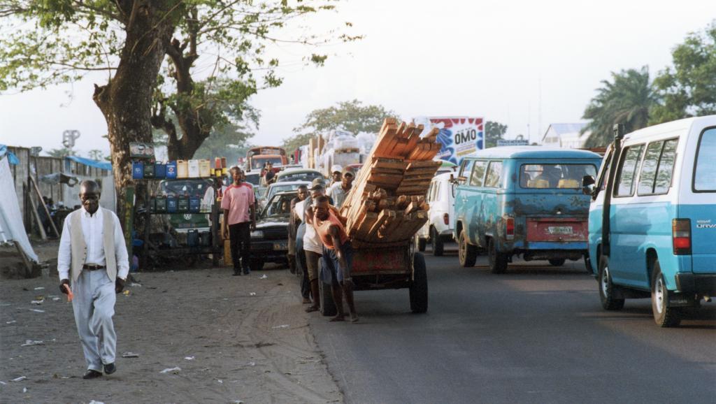Rue de Kinshasa. Craig Lapp/NFB/Getty Images