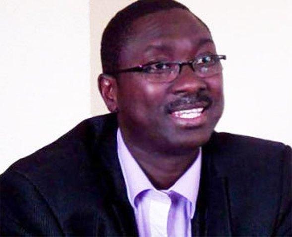 Chef d'État et chef de parti : « Décalage entre les textes et la réalité » selon Ismaël Madior Fall