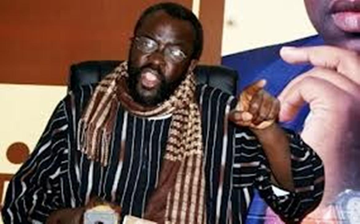 Attaqué par Moustapha Cissé LO, Abdou  Ahad Seck réplique violemment