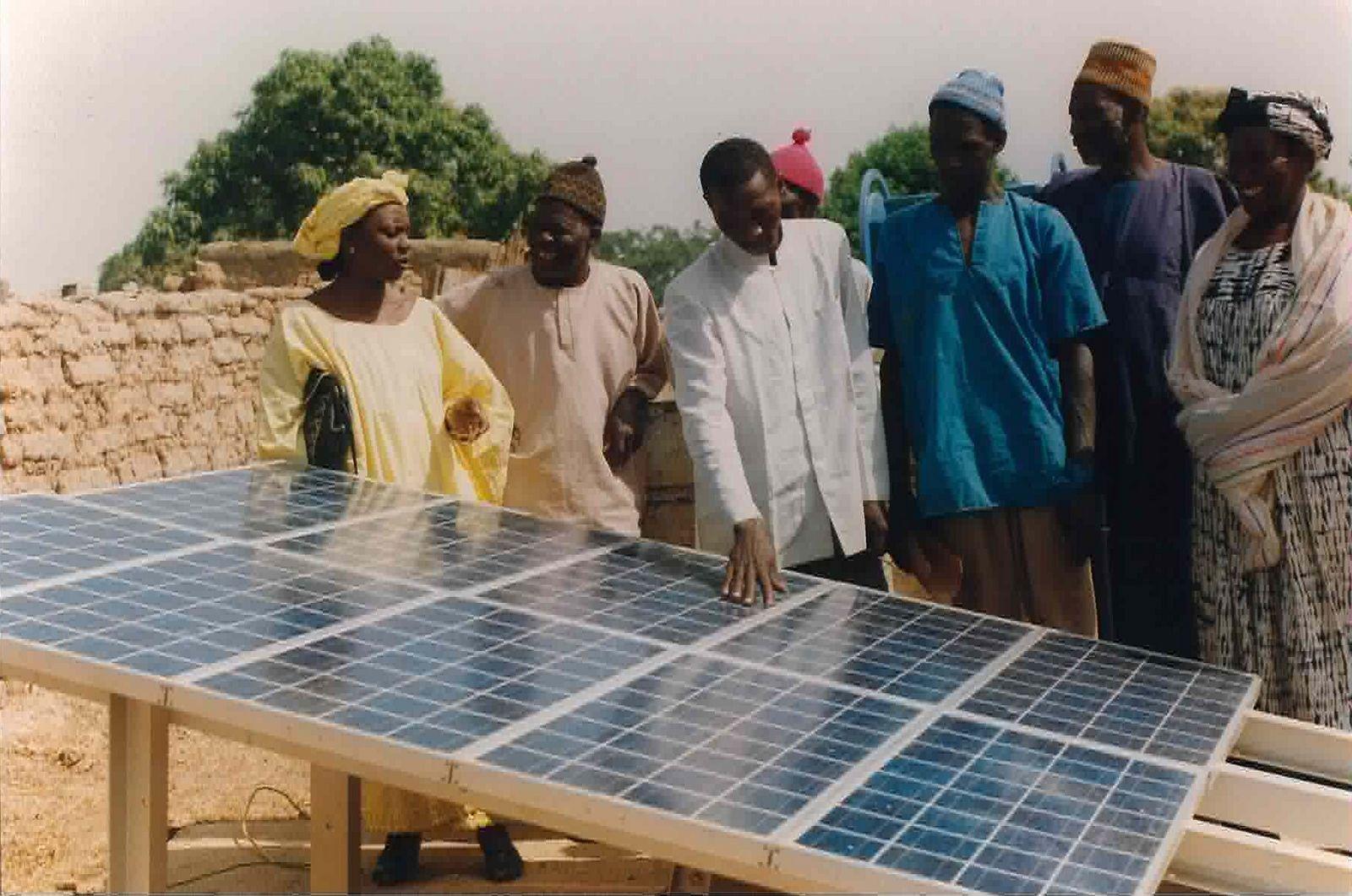 Le solaire en afrique une opportunit pour la technologie fran aise l 39 - Fours solaires en afrique ...