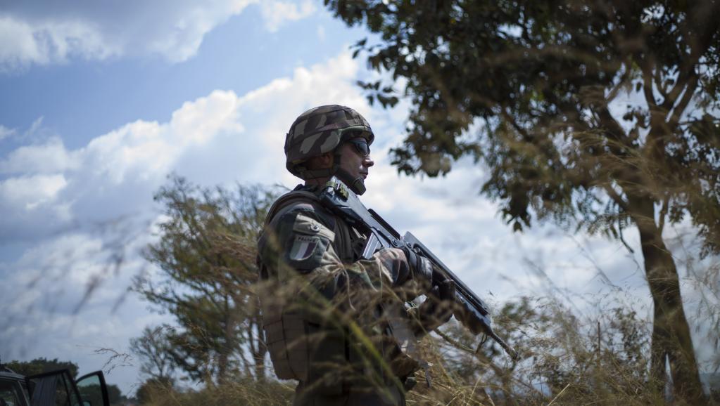 Un militaire français à Bouar, le 7 décembre (Archive). AFP PHOTO / FRED DUFOUR