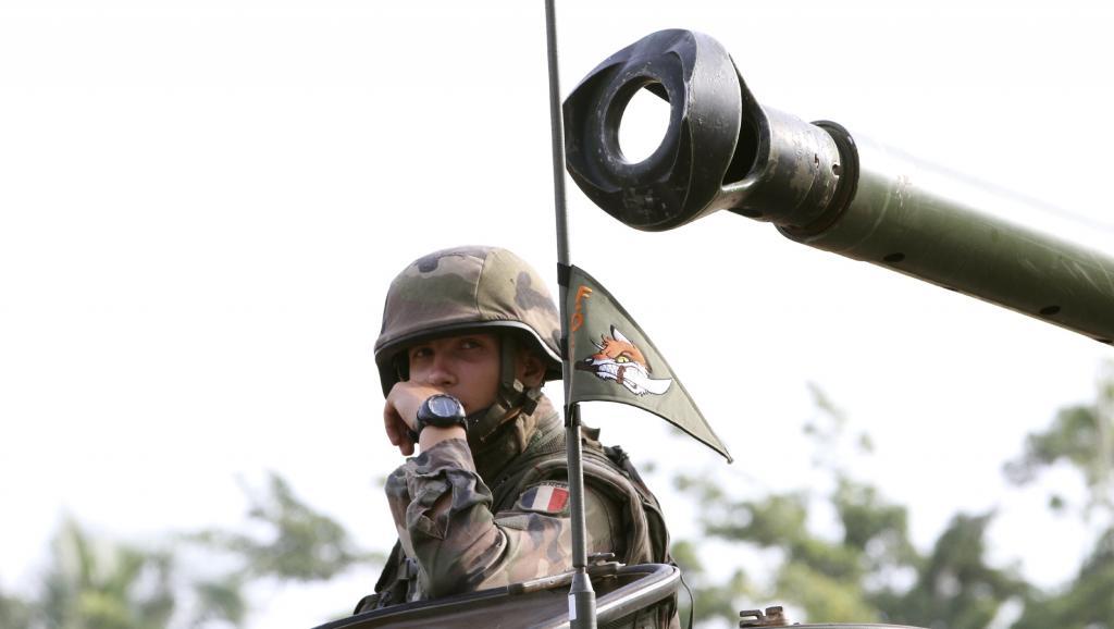 Soldat français de l'opération Licorne, à Abidjan. REUTERS/Luc Gnago