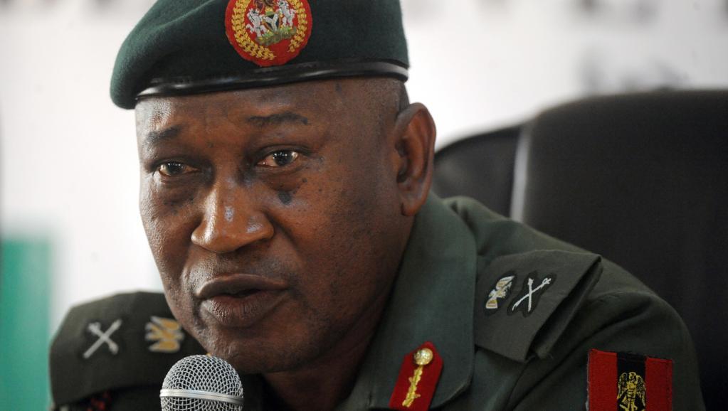 Le général Chris Olukolade, porte-parole du ministère de la Défense nigérian. AFP PHOTO/PIUS UTOMI EKPEI