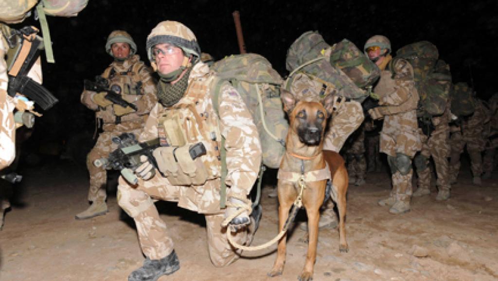 Soldats britanniques engagés dans l'opération Moshtarak à Marjah en Afghanistan, le 13 fevrier 2010. Reuters / SSgt Will Craig