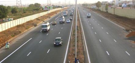 L'autoroute a péage Reduit Les couts du transport