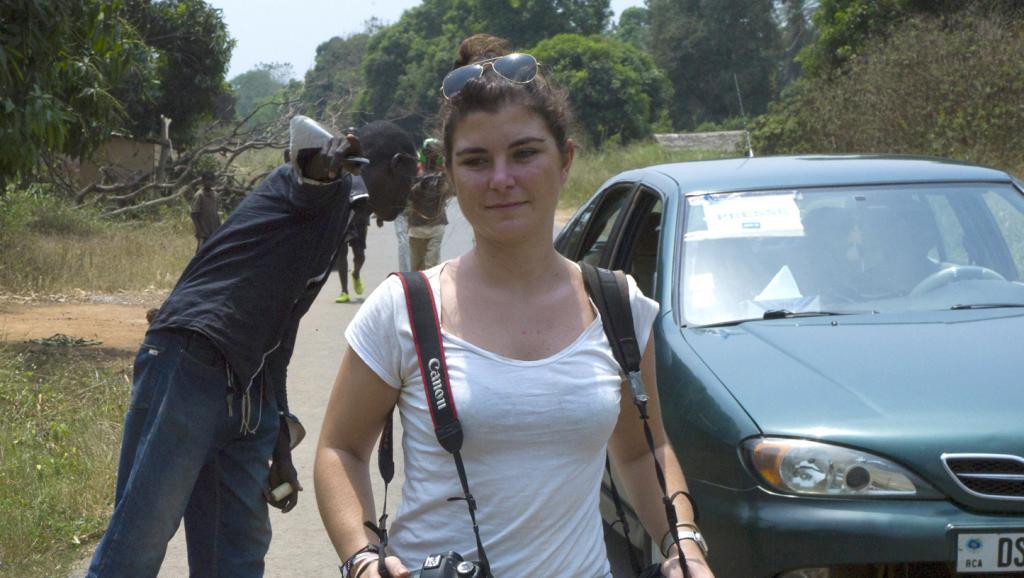 Derniers hommages à Camille Lepage en Centrafrique