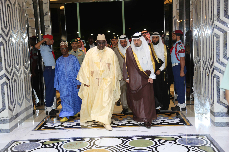 Images Arabie Saoudite : le président Sall effectue la Oumra et prie pour son peuple