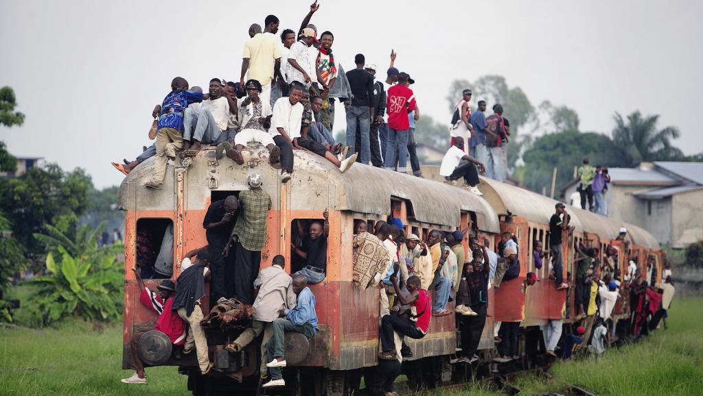 Un train surchargé part de Kinshasa, RDC. Per-Anders Pettersson/Getty Images