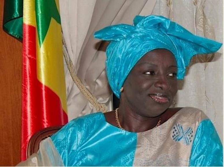 Aminata Touré répond à Idrissa Seck par le mépris : « Il a le temps de faire de la politique, moi je travaille »