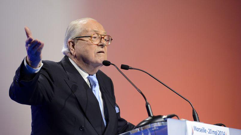 «Monseigneur Ebola» : la solution de Jean-Marie Le Pen face à l'immigration