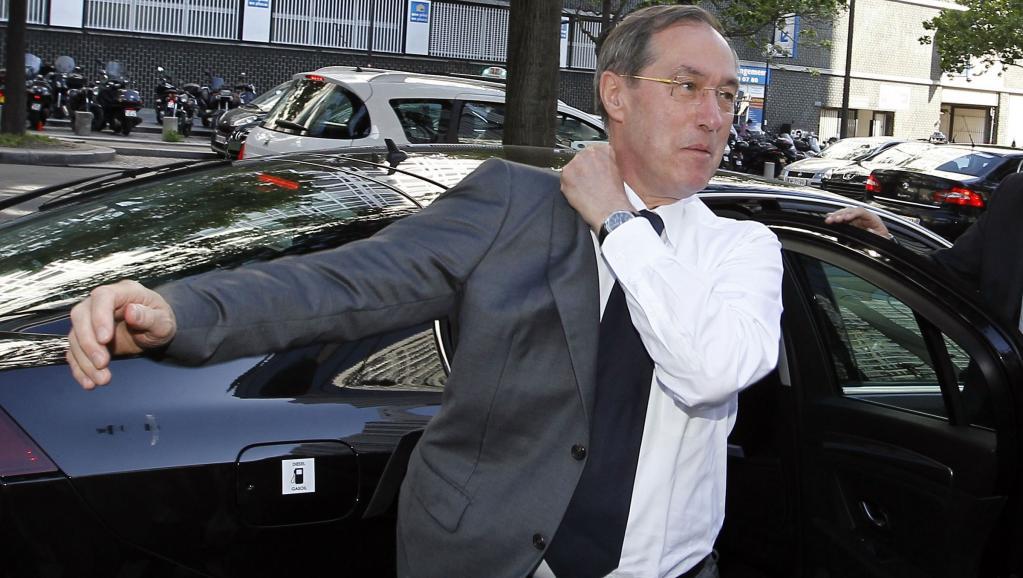 Claude Guéant, à Boulogne, lors des dernières élections législatives. REUTERS/Regis Duvignau