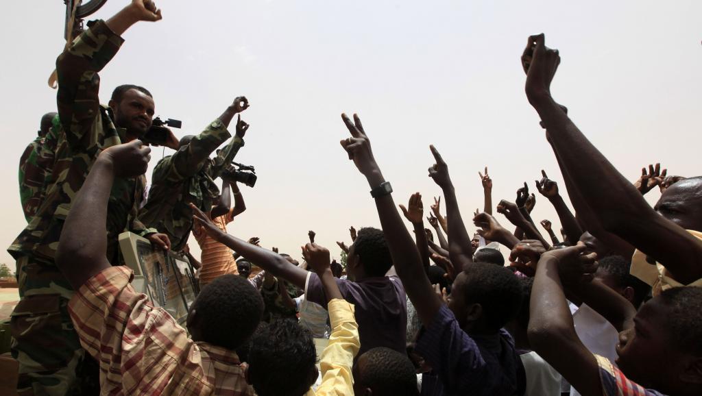 Dans la ville d'al-Rahaad, au passage d'un convoi militaire soudanais de retour d'Abu Kershola, le 28 mai dernier.