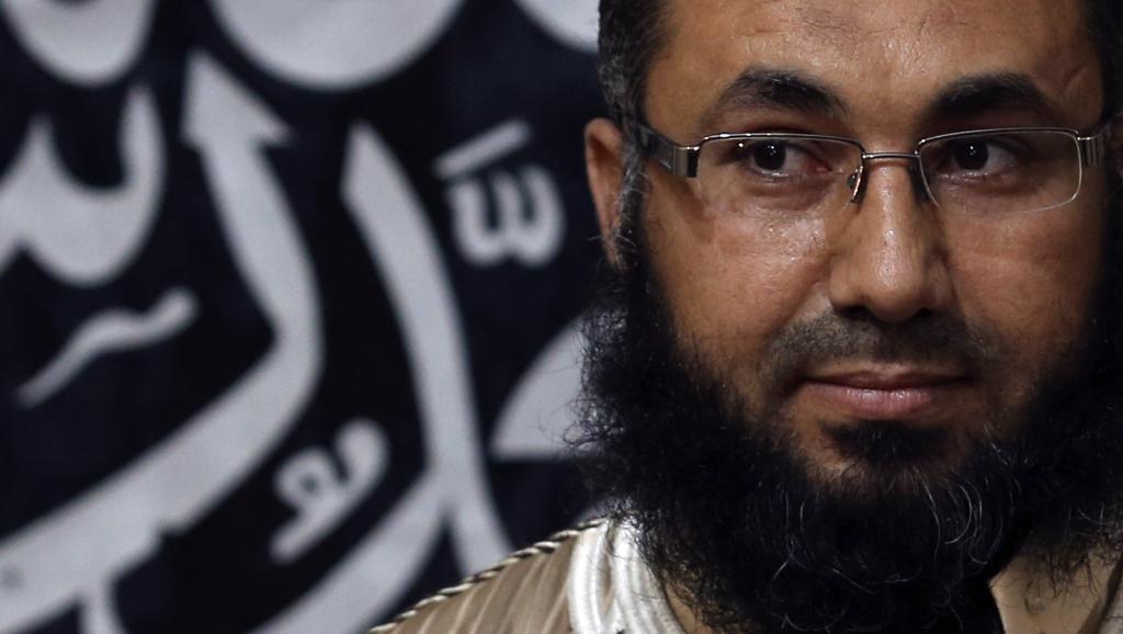 Mohammed al-Zahawi, leader d'Ansar al-Charia en Libye devant la presse le 27 mai 2014 à Benghazi. REUTERS/Esam Omran Al-Fetori