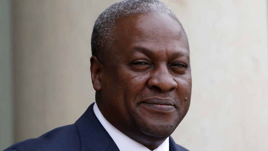 Le président ghanéen John Dramani Mahama, à Paris, le 28 mai 2013. Reuters/Charles Platiau