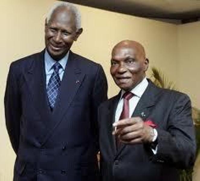 Me Wade quitte Dakar, Abdou Diouf atterrit