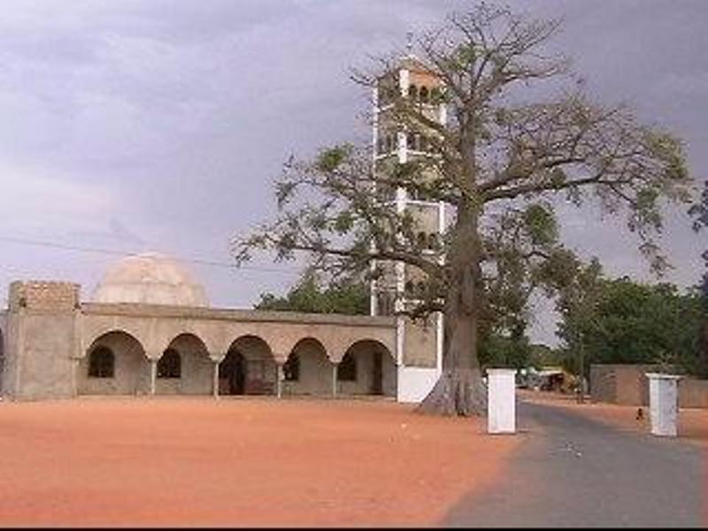 Le président Sall a prié à Thiénaba ce vendredi