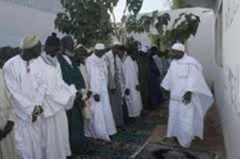 Locales-Pour des élections apaisées et sans « sang », les imams et oulémas se lèvent