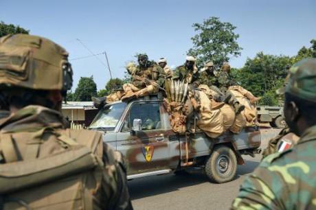 Les Centrafricains veulent le réarmement de leurs soldats
