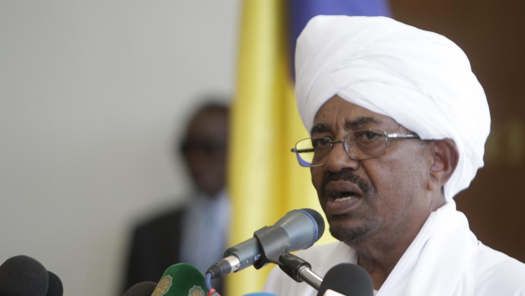 Le président soudanais Omar el-Béchir (photo) a ordonné la libération de Sadek al-Mahdi, emprisonné depuis un mois.