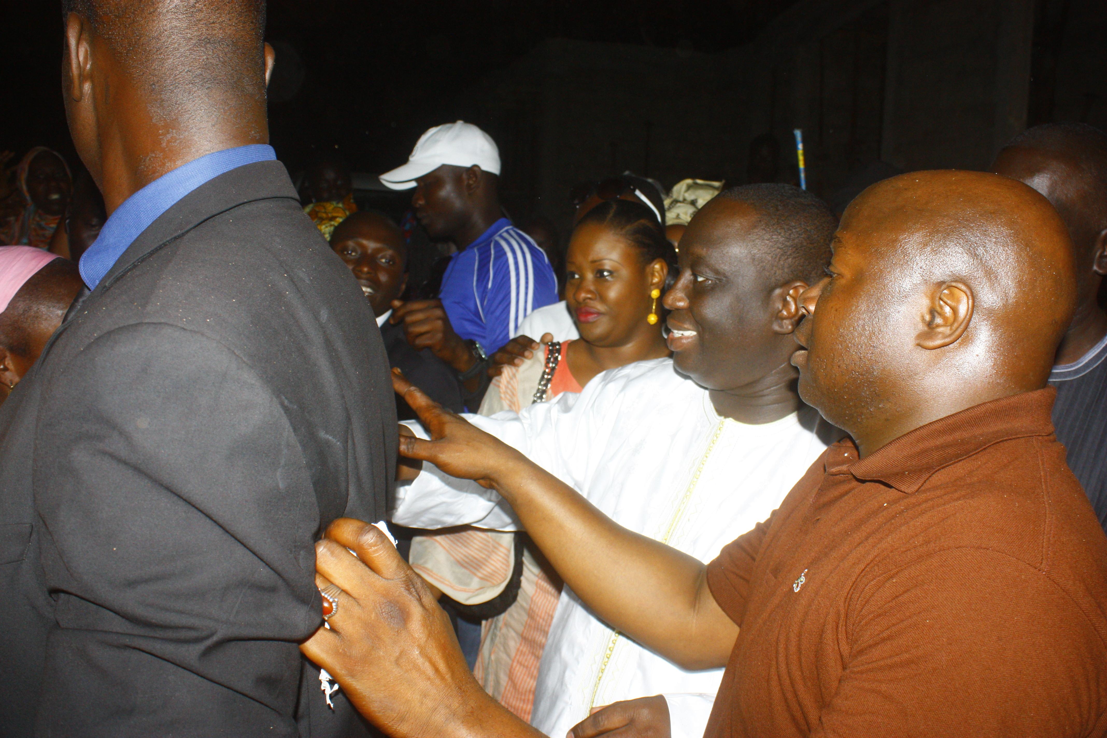 Les habitants de Guediawaye fêtent la victoire d'Aliou SALL chez lui à la cité Alioune SOW