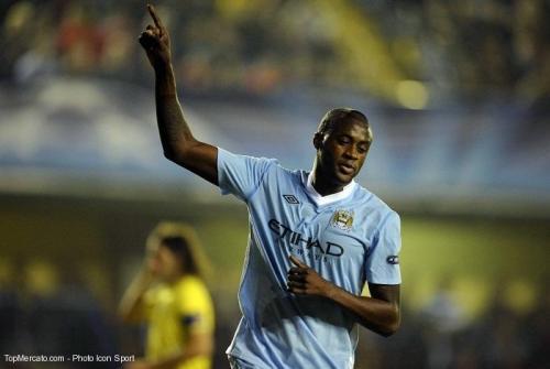 Désireux de quitter Man City : Yaya Touré ne dit pas non PSG