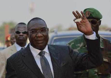 Centrafrique: l'ex-président Djotodia reconduit