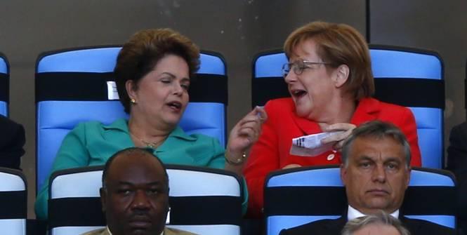 Rousseff et Blatter hués
