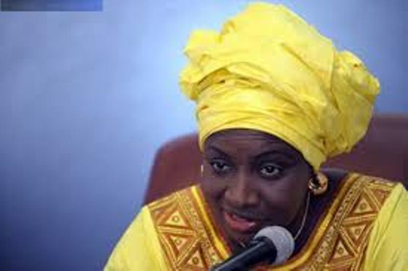 """Que mijote Aminata Touré avec """"Macky 2012"""" ? Autour d'un """"ndogou"""", ils échangent sur le devenir du Sénégal"""