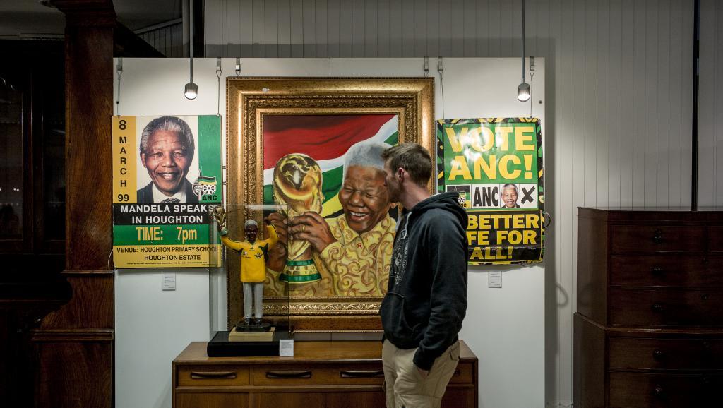 Vente aux enchères d'objets ayant appartenu à Nelson Mandela