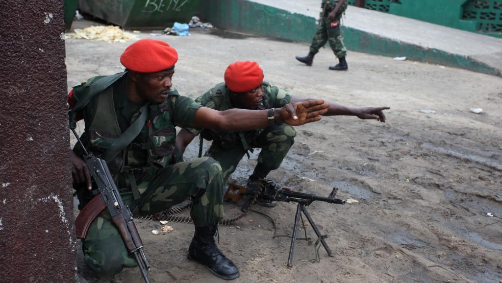 Des soldats de la police militaire congolaise, à Kinshasa. AFP PHOTO/STRINGER