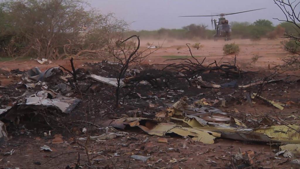 Une image prise sur le site du crash du vol AH 5017 de Air Algérie. REUTERS/ECPAD/Handout via Reuters