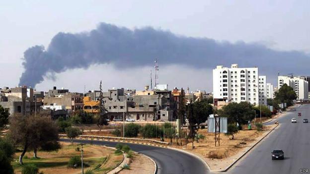 Les autorités de Tripoli ont fait appel à la communauté internationale pour circonscrire l'incendie