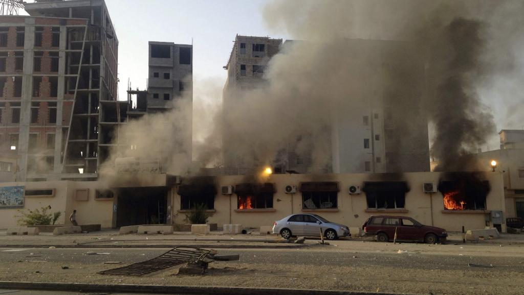 Scène de guerre à Benghazi, est de la Libye, le 6 juillet 2014. REUTERS/Stringer