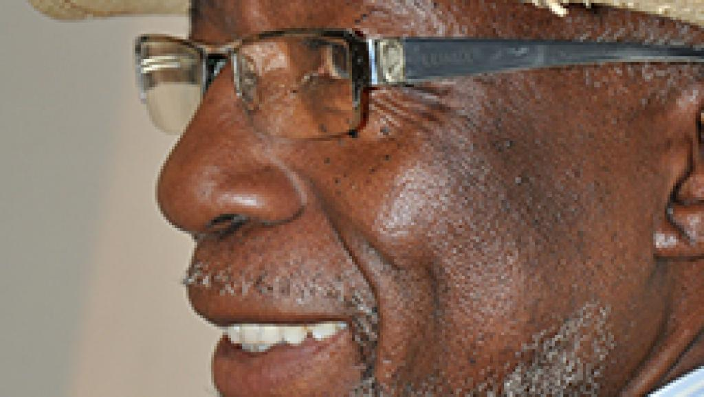 Souleymane Koly, le fondateur du Kotéba d'Abidjan, né à N'Zérékoré, en Guinée, en 1944, est mort ce vendredi 1er août, dans la banlieue de Conakry.