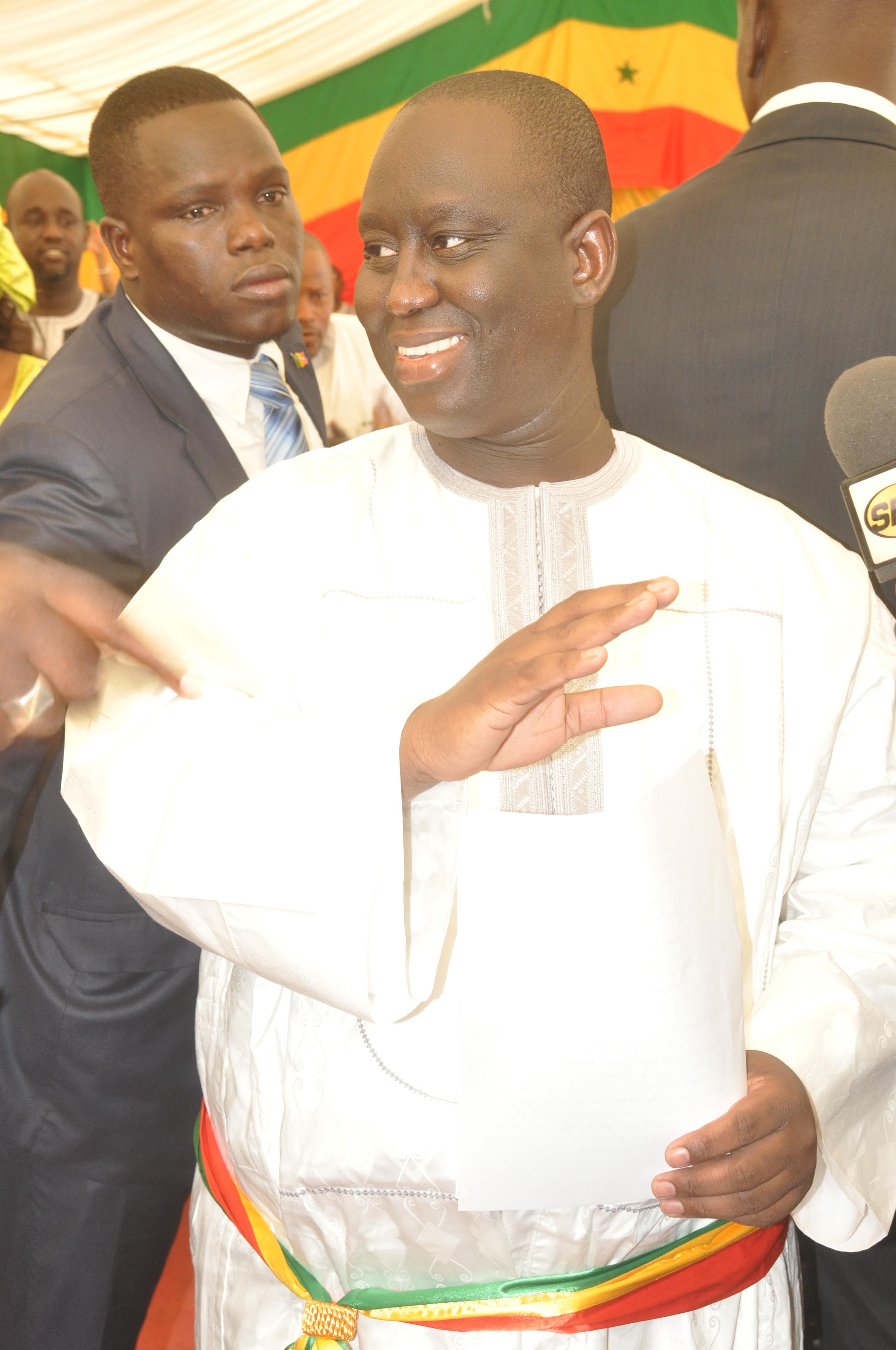 Guédiawaye-Passation de service à la mairie : Aliou Sall remercie son frère Macky et décline ses ambitions