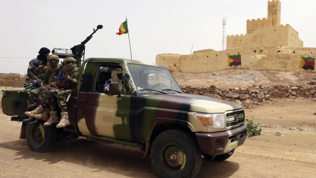 Une patrouille de l'armée malienne à Kidal, à l'été 2013. AFP PHOTO / KENZO TRIBOUILLARD