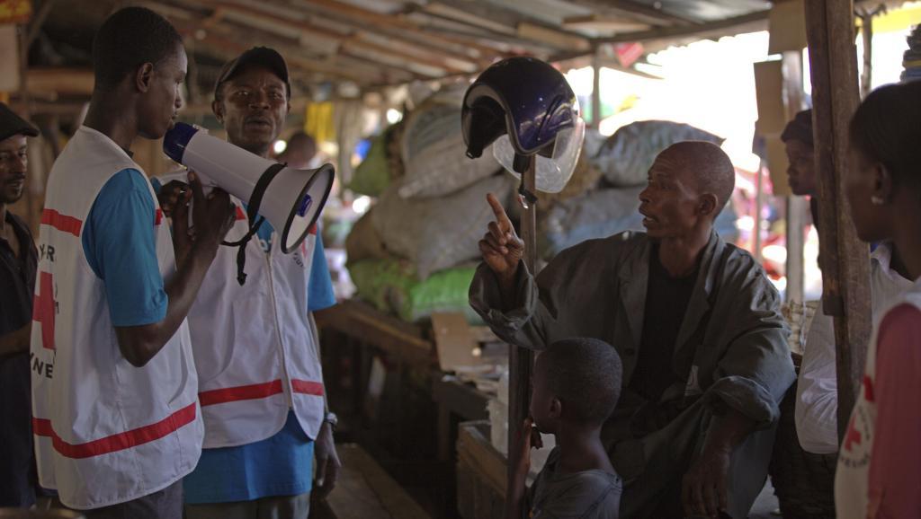 Opération de sensibilisation pour tenter de prévenir la propagation du virus Ebola, à Conakry, le 31 mars dernier. REUTERS/UNICEF/La Ros
