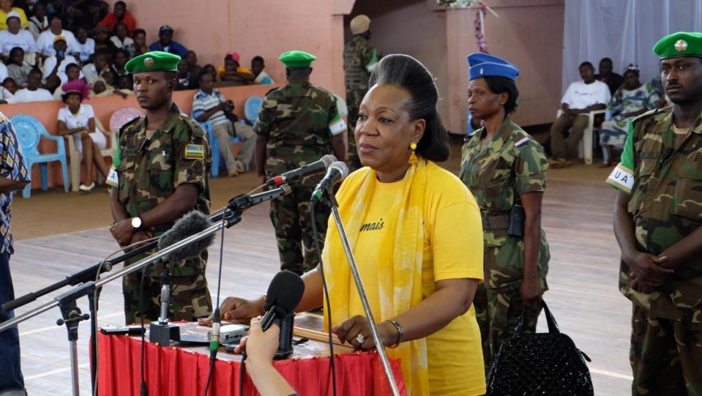 La président Catherine Samba-Panza lors de son discours à l'occasion de cette marche pour la paix, le 9 août.