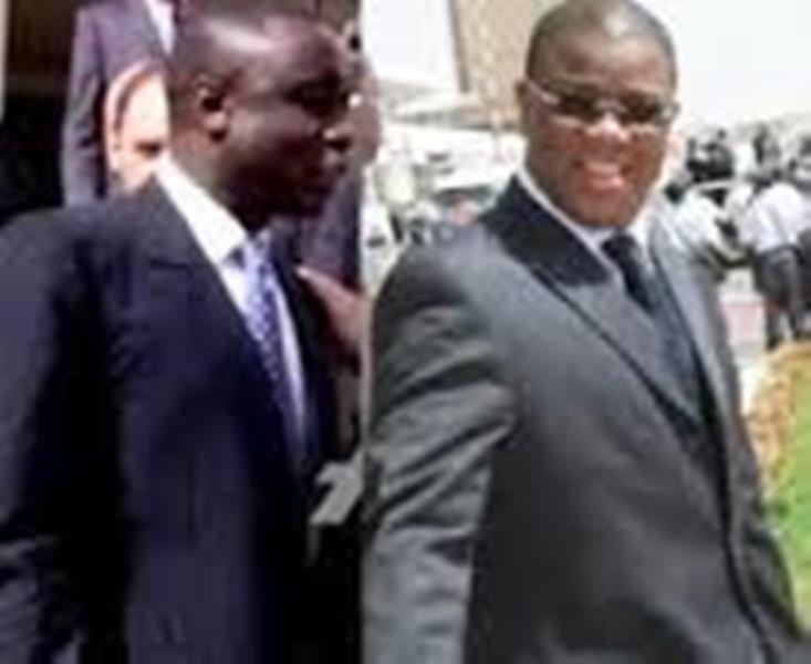 CREI : Abdoulaye Baldé sert un document de plus de mille pages à Alioune Ndao, Idrissa Seck à ses côtés