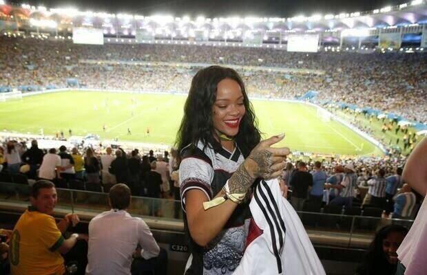 Quel club Rihanna devrait-elle racheter ?