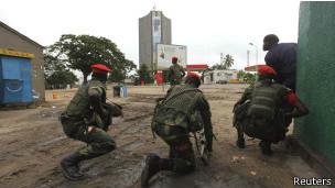 Plusieurs centaines de victimes ont porté plainte pour des crimes qui auraient été commis sous le commandement du lieutenant entre 2005 et 2006