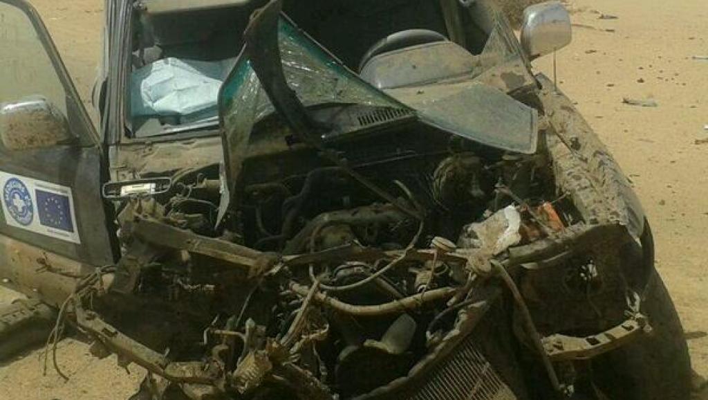 Le 26 février 2014, un véhicule de Médecins du monde avait sauté sur une mine, près de l'aéroport de Kidal. Les deux occupants de la voiture avaient été blessés.