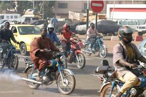 Ziguinchor : une moto « Jakarta » tue une fille, les autorités donnent aux conducteurs un delai  pour être en règle