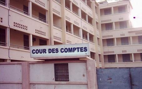 Macky Sall reçoit le rapport de la Cour des comptes sur la gestion des derniers publics