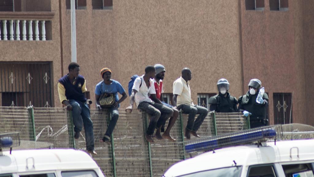 Des migrants africains attendant de passer en Espagne. REUTERS/Jesus Blasco de Avellaneda