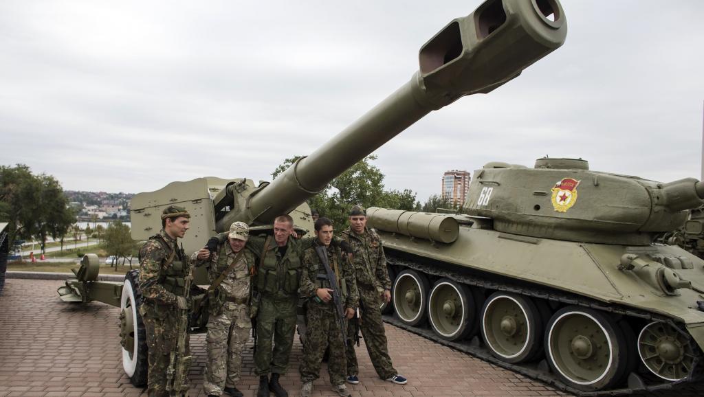 A Donetsk, les tirs d'artillerie retentissent chaque jour.