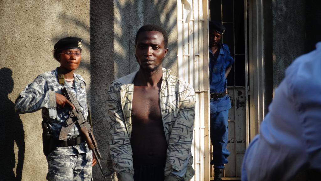 Le meurtrier présumé des religieuses du couvent de Kamenge a été présenté à la presse mardi 9 septembre RFI/Esdras Ndikumana