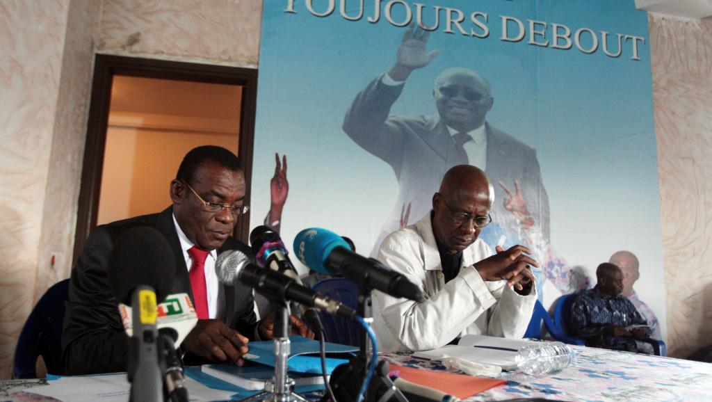 Le président du FPI Pascal Affi N'Guessan (FPI), le 4 décembre 2013 à Abidjan. AFP PHOTO / HERVE SEVI