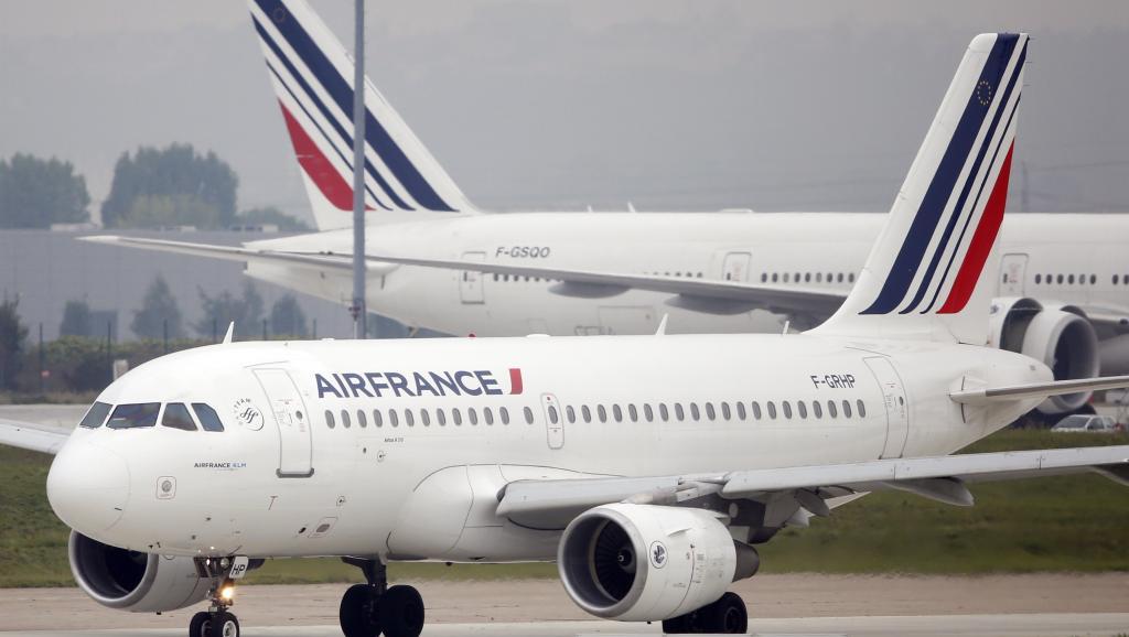 Airbus A319 d'Air France sur le tarmac de l'aéroport d'Orly. Reuters/Charles Platiau
