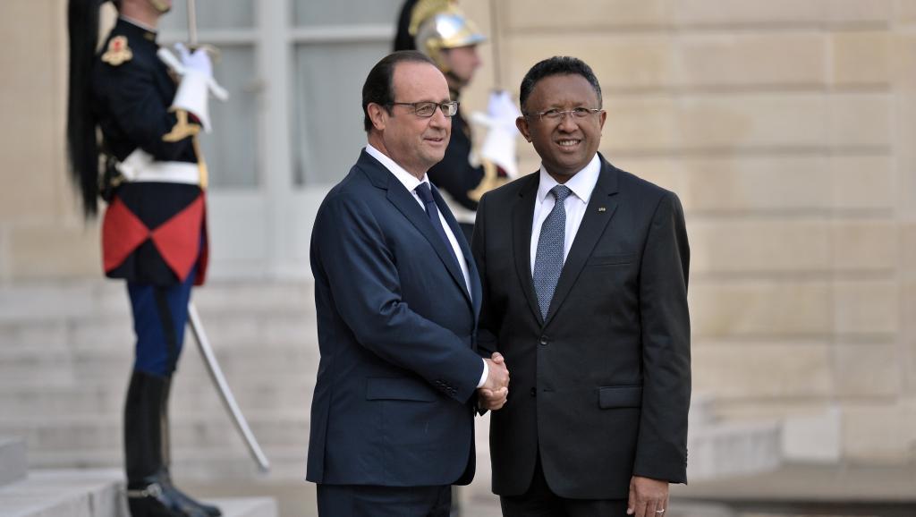 Le président Hollande a accueilli à l'Elysée son homologue malgache Hery Rajaonarimampianina AFP/Fred Dufour